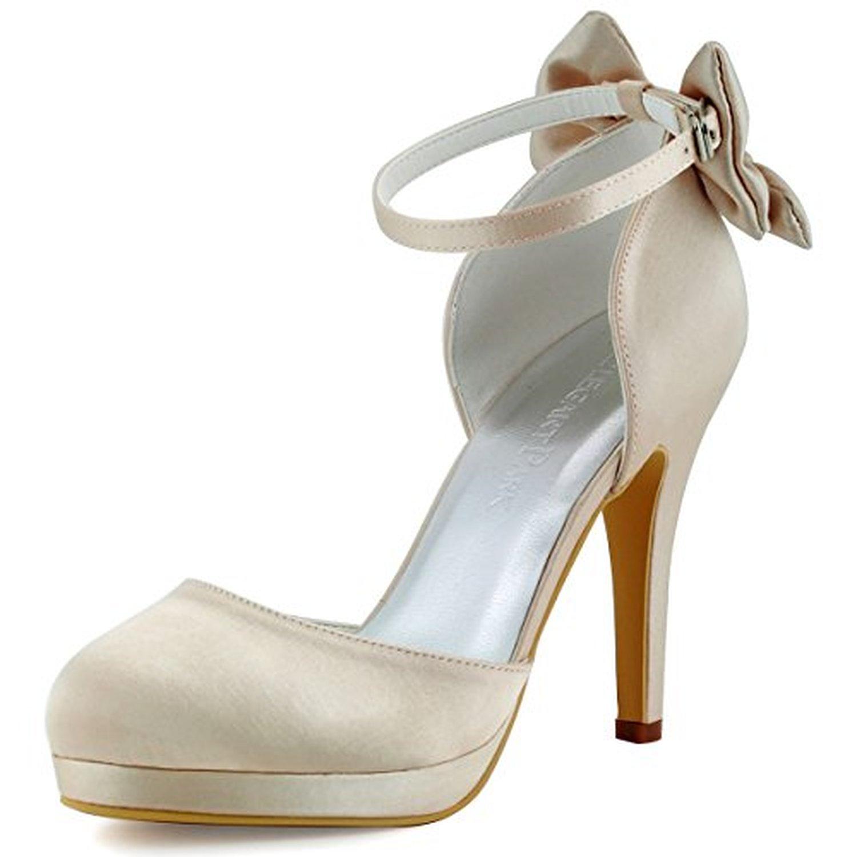 chaussure femme qui tient la cheville. Black Bedroom Furniture Sets. Home Design Ideas